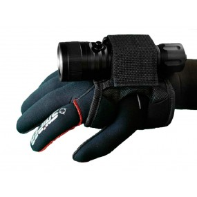 Hand holster for flashlight